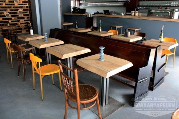 Boomstam restaurant tafel
