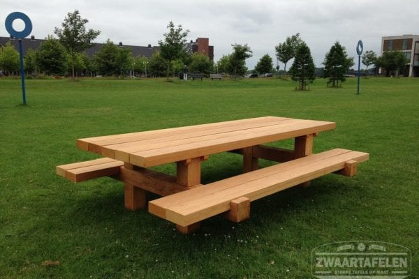 Massief bilinga houten Picknicktafel Bill