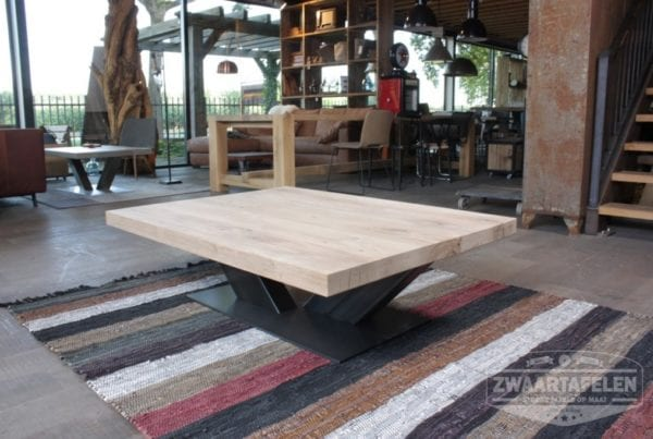 Eetkamertafel Graniet : â eetkamertafels tafels massief hout met rvs ...