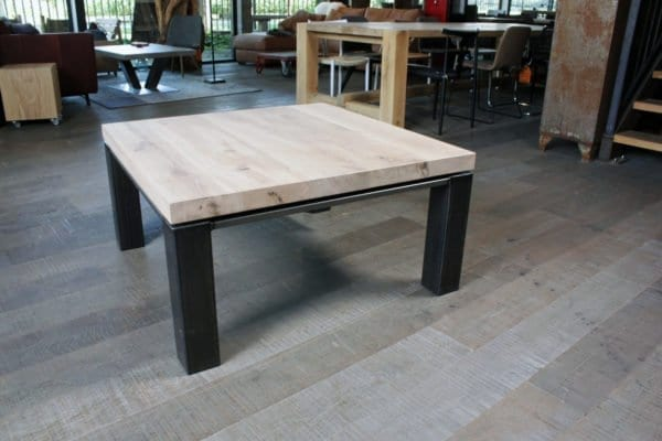 Staal zwevend massief eiken salontafel