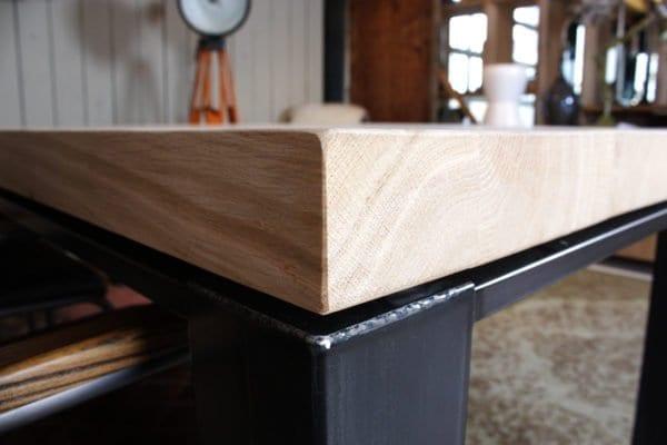 staal zwevend met massief eiken houten blad
