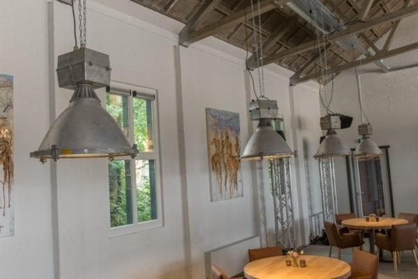 Stoere oude industriële lampen uit Rusland