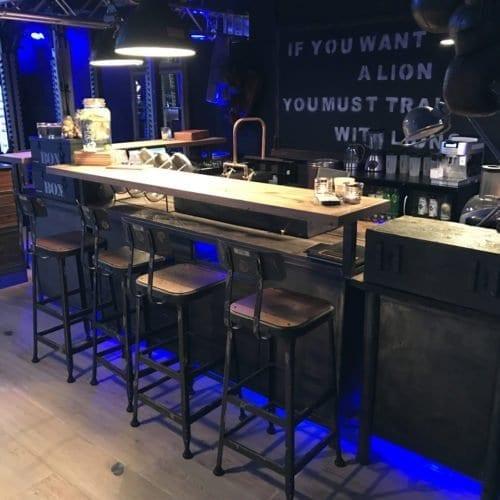 Stoere industriële bar