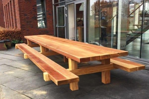 Massieve picknicktafel van 6 meter