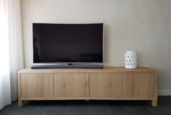 Massief eiken TV meubel met deuren