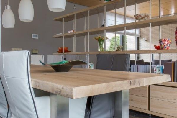 Massief eiken houten tafel met RVS U onderstel