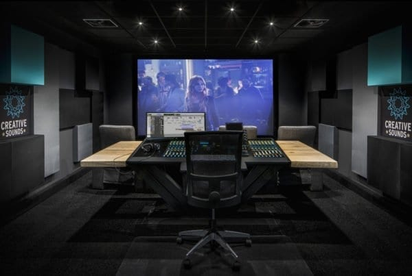 Massief eiken studio tafel met stalen VII onderstel