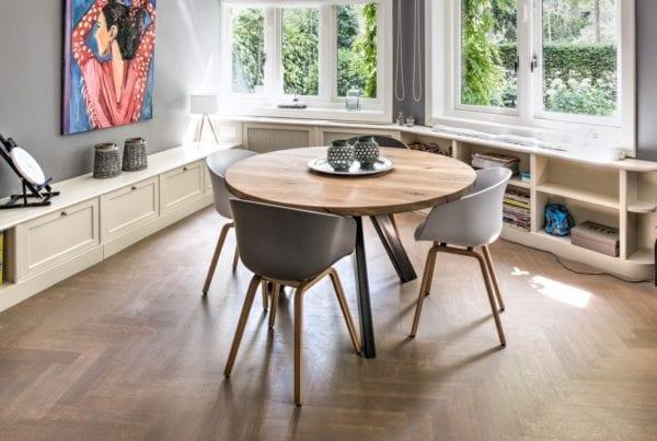 Massief eiken houten ronde tafel