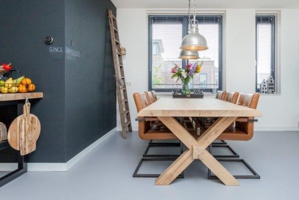 Stoere Meubels Alkmaar : Zwaartafelen stoere eiken tafels op maat