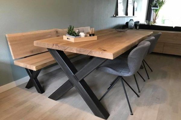 Eiken tafel met bijpassende bank