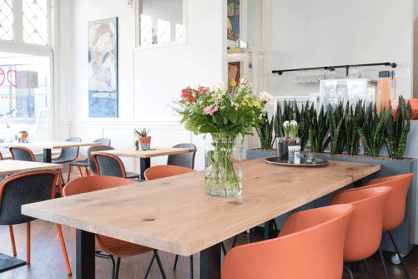 Massief houten tafels horeca