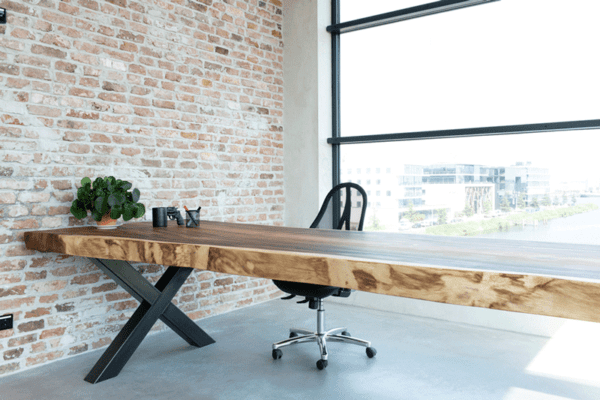 Live edge table suar